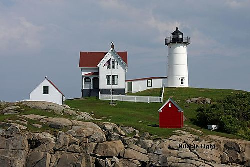 Nubble Light_800