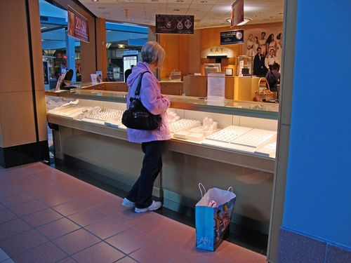 Thursday me in mall 2_800