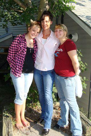 Jen and Girls_800