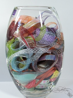 Ribbon_jar